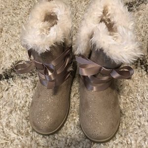 Other - Brand new toddler girl boots with fur